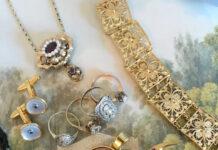 Die-Halsbandaffaire-Antikschmuck-Weihnachten