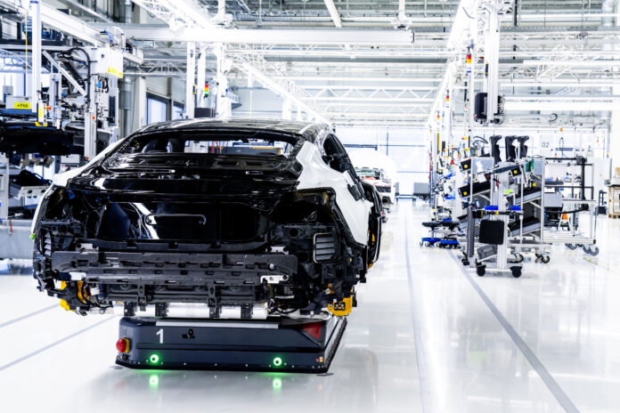 AI25 – Digitale Fabriktransformation in der Automobilindustrie